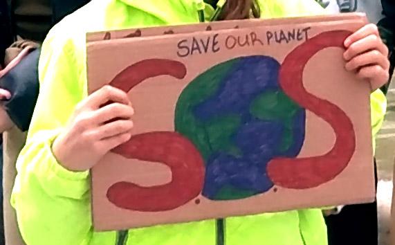 Marche pour le climat : les lycéens athéniens dans la bataille